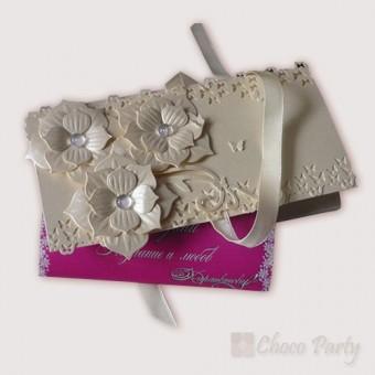 Сватбен шоколад в ръчно изработена плик кутия