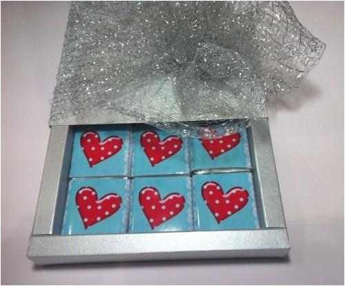 Луксозна бонбониера с шоколадови кюлчета